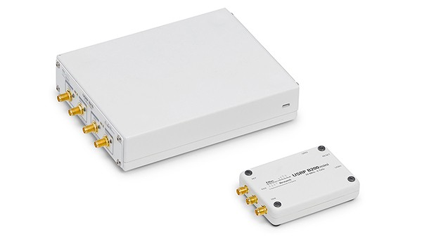 Top view of USRP B200 and USRP B200mini